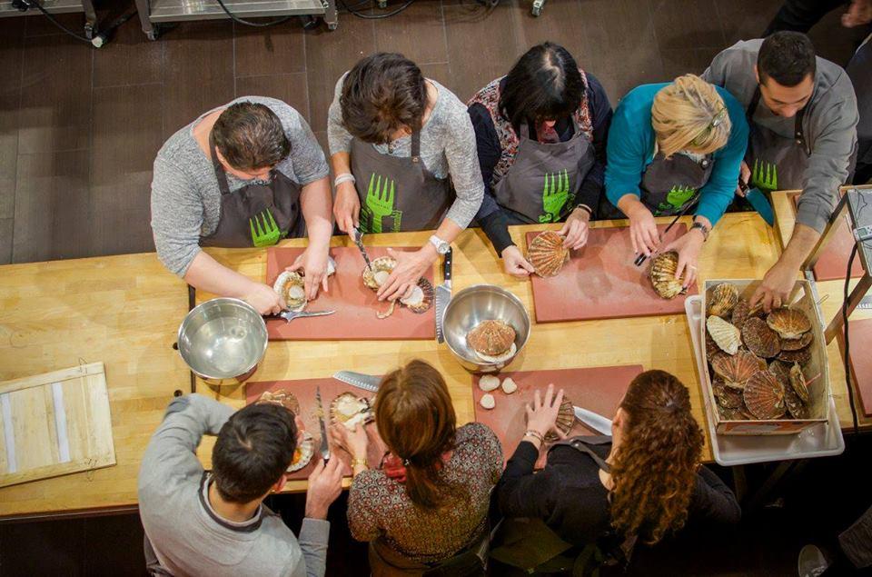 Les cours de cuisine à l'école Mmmmh à Bruxelles