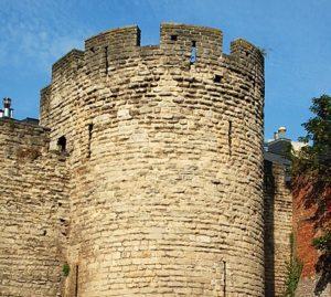 Tour de Villers (c) Wikipedia EmDee