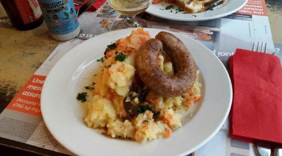 Stoemp! Le plat belge typique à manger au restaurant à Bruxelles